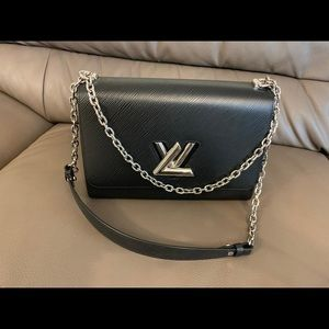 Louis Vuitton twist GM epi black